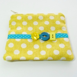 yellow buttons change purse