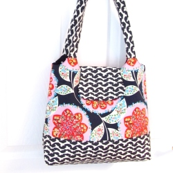 Bold flowers Tote bag